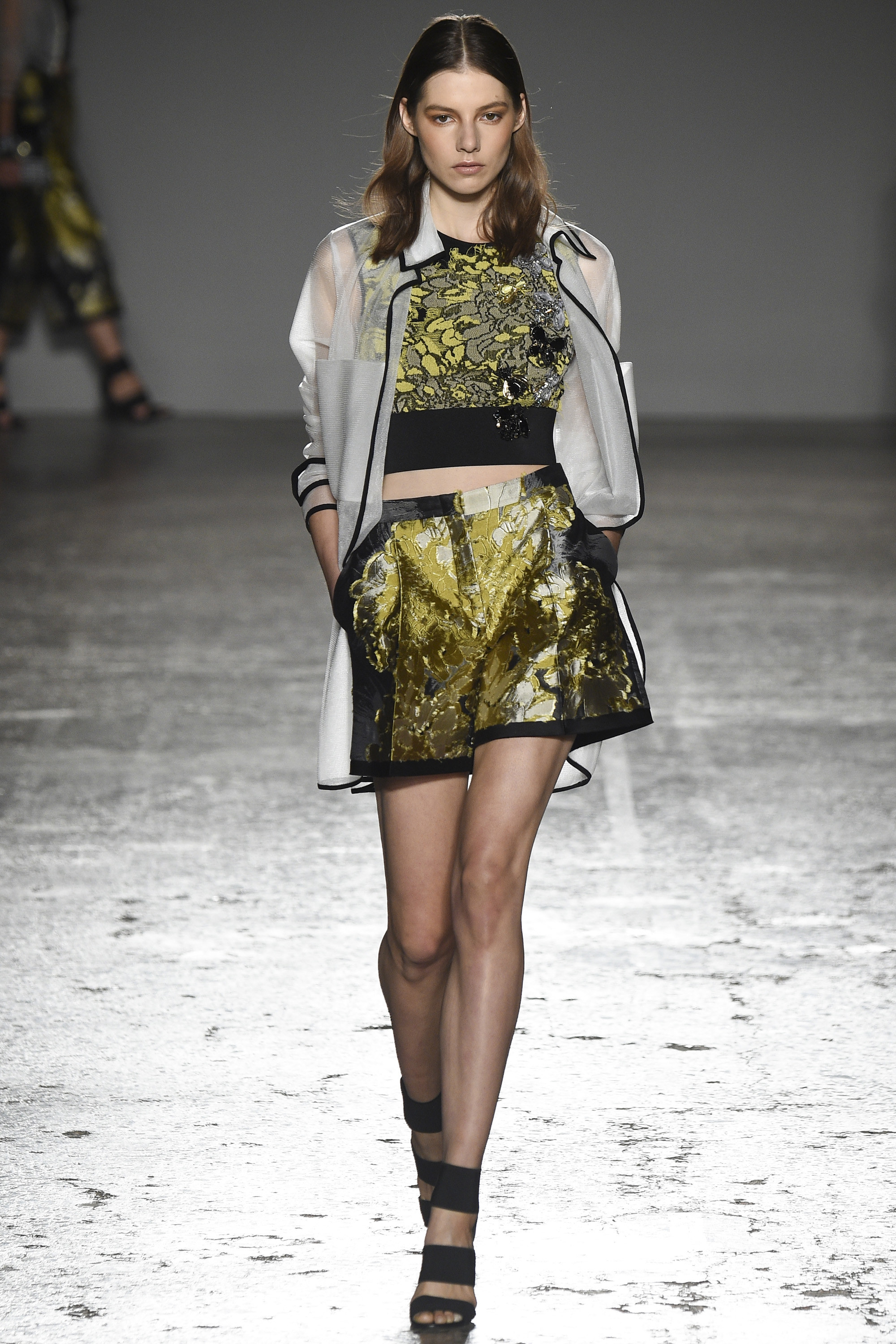 Les-Copains-Ready-To-Wear-SS-2016-MFW-36
